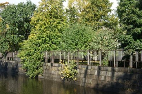 Ограда Обводного канала в Кронштадте