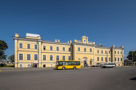 Oranienbaum_Railway_Station_01